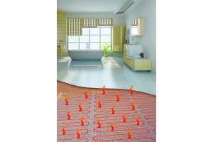 Besonders in Badezimmern wird häufig eine elektrische Fußbodenheizung verlegt.
