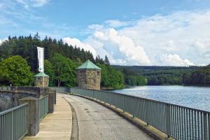 Etwa 12 Prozent des Trinkwassers werden in Deutschland aus Seen und Talsperren gewonnen.
