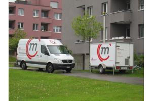 Fahrzeug und Anhänger von Mobil in Time.