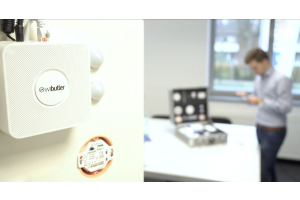 """Die Zentrale """"wibutler pro"""" ist die Kernkomponente der Lösung und vernetzt das gesamte Haus gewerkeübergreifend."""