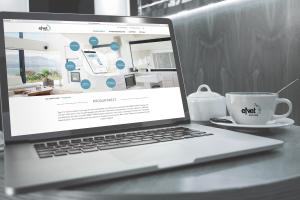 Website der eNet Allianz auf einem Laptopbilschirm.