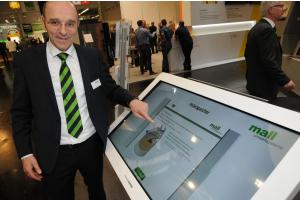 Vertriebsleiter Markus Böll stellte das Bemessungsprogramm für die Pelletspeicher der Mall GmbH vor.