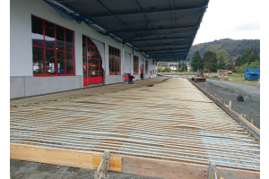 Die Logistikhalle der Roth Plastic Technology in Wolfgruben in Nordhessen.