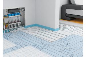 Die unkontrollierte Wärmeabgabe in der Nähe von Heizkreisverteilern lässt sich mit einem flexiblen Dämmschicht-Verlegesystem zuverlässig vermeiden.