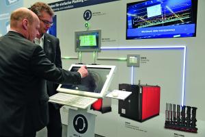 Bosch vereint mit der neuen Produktfamilie Master Energy Control (MEC System) verschiedene Bosch Energieerzeugungsanlagen zu einem intelligenten Gesamtsystem.