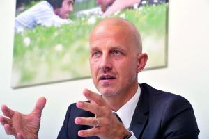 """""""Wir haben uns mit unserem Brennstoffzellen-Heizgerät ganz auf die Bedürfnisse in Ein- und Zweifamilienhäusern sowie an den bestehenden Strukturen des SHK-Fachhandwerks ausgerichtet"""", so Andreas Christmann, Leiter Produkt und Marketing bei Vaillant Deutschland."""