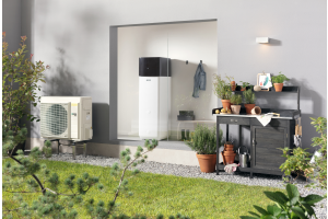 """Die Rotex-""""HPSU compact Ultra"""" kombiniert auf kleinstem Raum hocheffiziente Wärmepumpentechnik (Leistung: 4 bis 8 kW) mit einem ausgeklügelten Wärmespeicher."""