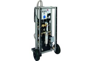 """Mit der Heizungswasseraufbereitungsanlage """"Geno-Vario mini mobil"""" lässt sich das Wasser von geschlossenen Heiz- und Kältekreisläufen einfach im laufenden Betrieb filtern, Teilstromentsalzen sowie -enthärten."""