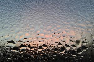 Trinkwasser ist technisch sehr häufig nicht für den Betrieb einer Warmwasser-Heizungsanlage geeignet.