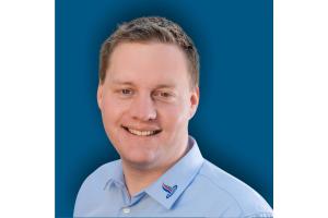 """""""Mit MemoMeister schaffen wir die größtmögliche Transparenz und Vertrauen gegenüber unseren Kunden und unseren Mitarbeitern. Zusätzlich schaffen wir Freiräume für das wichtigste: unser Handwerk"""", so der Nutzer Kris Kircher, Leiter Leistungscenter Heizung bei der Holl GmbH."""