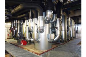 """""""Zortström""""-Lösung für  für ein Haus mit Geschichte und Zukunft. Insgesamt wurden in dem Objekt vier Anlagen verbaut. Als hydraulischer Nullpunkt regelt das Sammel- und Verteilsystem effizient und bedarfsoptimiert alle erzeuger- und verbraucherseitigen Energieflüsse."""