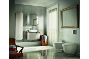 """Das Bild zeigt ein Badezimmer, das mit der """"DEA""""-Serie von Ideal Standard ausgestattet ist."""