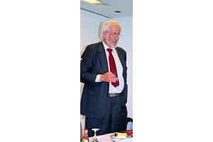 Das Bild zeigt DKI-Geschäftsführer Dr. Anton Klassert.