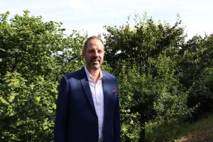"""Rainer Szieleit, Vertriebsleiter, Wolf Power Systems GmbH: """"Systemisches Denken und Verständnis ist die Grundlage  für erfolgreiche KWK-Projekte –  unabhängig davon, ob ein Blockheizkraftwerk im privaten, gewerblichen oder kommunalen Bereich eingesetzt wird. »Systemdenken« heißt heutzutage aber beispielsweise auch, die Ladeinfrastruktur für E-Mobile integrieren zu können."""""""