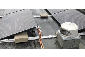 PVT-Kollektoren als Wärme- und Stromquelle: Für eine exklusive Entwicklung des regenerativen Heizsystems ging CTC Giersch eine Partnerschaft mit der Sonnenstromfabrik (CS Wismar GmbH) ein. Sie gilt als eine der führenden und richtungsweisenden Solarmodulhersteller in Europa.