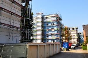 Vonovia ist dabei, die ehemaligen Rheinbraun-Gebäude in Grevenbroich aus den 1960er-Jahren zu modernisieren und energetisch zu ertüchtigen.