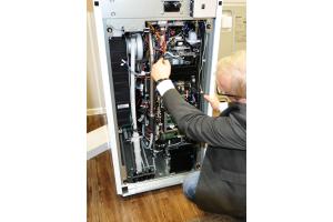 Die Aufbereitung von Erdgas zu Wasserstoff im Reformer macht 1/3 der Technik in einer Brennstoffzelle (PEMFC) aus.