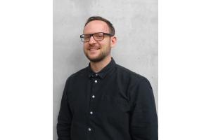 """""""Seit etwa zwei Jahren bemerken wir eine deutliche Wandlung in Art und Qualität der Fragen, die so von außen auf uns zukommen. Die Wichtigkeit von Rollen und Vereinbarungen im Planungsprozess wird klarer"""", betont Dr. Christian Waluga, der als Geschäftsführer der jüngst gegründeten liNear Building Labs GmbH unter anderem in die Richtlinienarbeit und in internationale Forschungsprojekte involviert ist."""