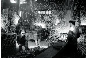 1895 von Jakob Zehnder im Schweizer Gränichen ursprünglich als mechanische Werkstätte gegründet, entwickelte sich Zehnder zu einer internationalen Firmengruppe.