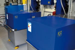 EC Power unterstreicht die Vorzüge einer Kaskadenlösung aus bis zu vier Mini-BHKW. Das Leistungsspektrum ihrer anlagen vom Typ XRGI beispielsweise reicht modulierend und kaskadierend von 3 kW bis 80 kW elektrisch.