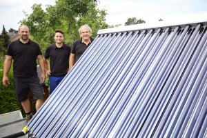 Nach Aufstellen der Solarkollektoren ist die Anlage bereit zum Betrieb.