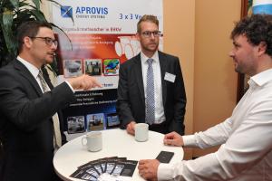 Stand von Aprovis Energy Systems im Foyer.